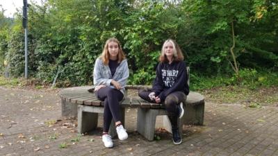 Klasse 8b: Laureen und Samantha